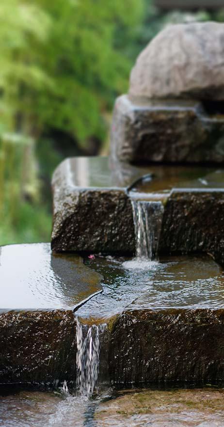 Raecor-Outdoor-waterfeature-1